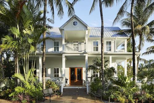 . Parrot Key Hotel & Villas