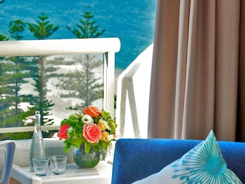 Suite, 1 King Bed, Jetted Tub, Bay View