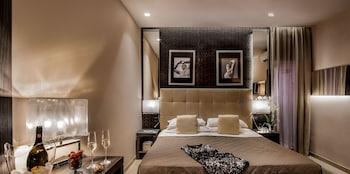 Standard Double Room (Via delle Carrozze 42)