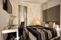 Double Room, Annex Building (at Via del Corso 81)