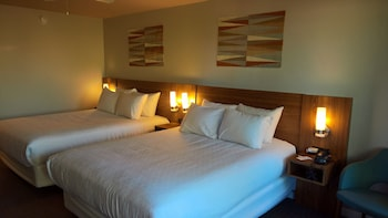 Guestroom at Magnuson Hotel Papago Inn in Scottsdale
