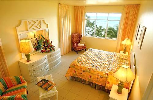 Shaw Park Beach Hotel & Spa,