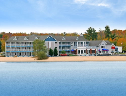 Ramada by Wyndham Mackinaw City Waterfront, Cheboygan