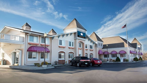. Magnuson Grand Pioneer Inn and Suites