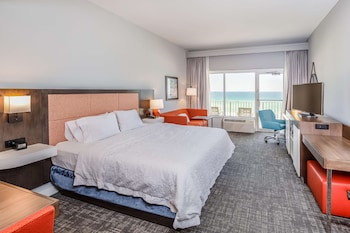One King Bed, Gulf View With Balcony, Non-Smoking