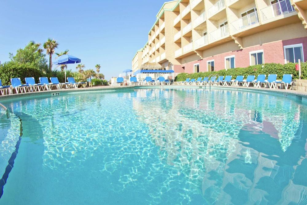 https://i.travelapi.com/hotels/1000000/30000/24800/24770/ded47b48_z.jpg