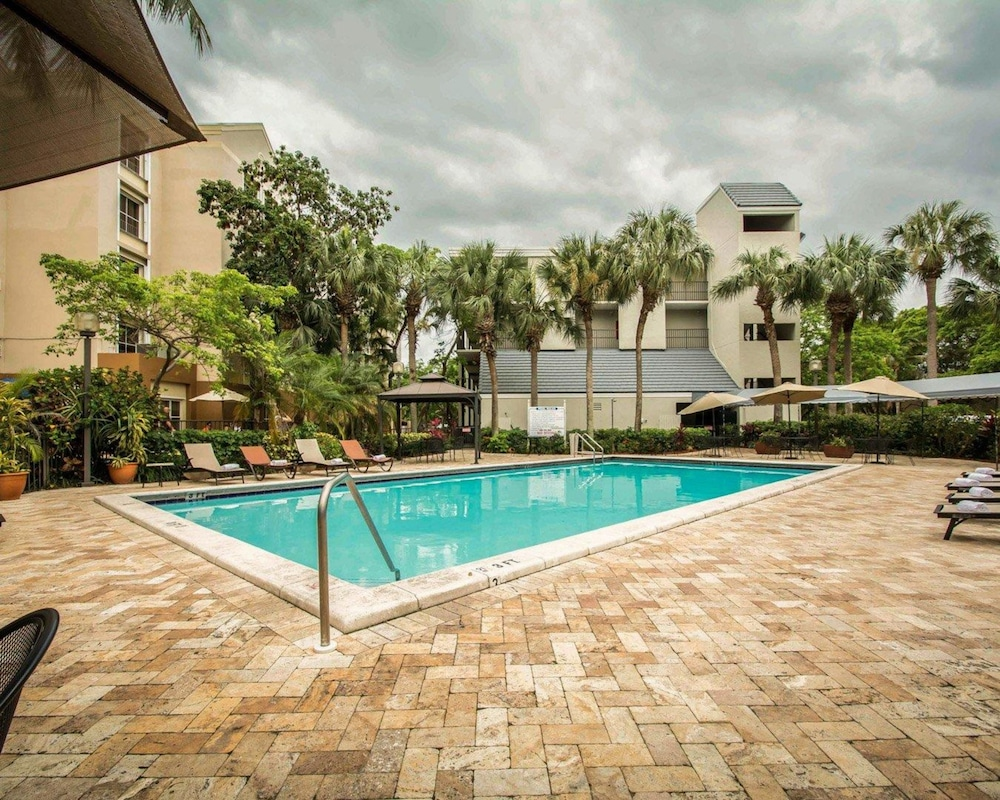 Quality Inn Suites Airport Cruise Port South Hollywood Fl 2520 Stirling Rd 33020