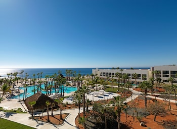 Book Melia Cabo Real Beach & Golf Resort All Inclusive in San Jose del Cabo.