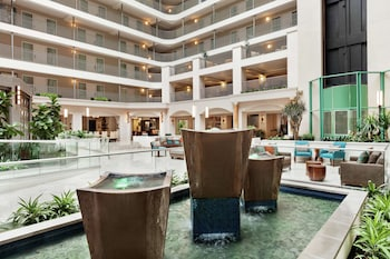 希爾頓聖安娜橘郡機楊大使套房飯店 Embassy Suites by Hilton Santa Ana Orange County Airport
