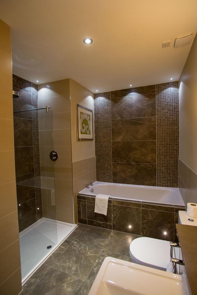 Crabwall Manor Hotel and Spa | Qantas Hotels