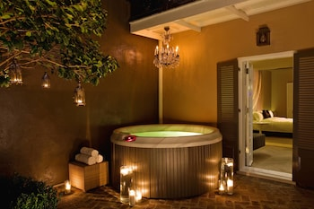 Studio Suite, Private Courtyard with Jacuzzi