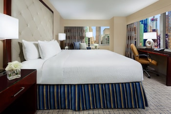 Room, 1 King Bed (Times Square View)