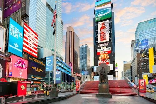 . Crowne Plaza Times Square Manhattan