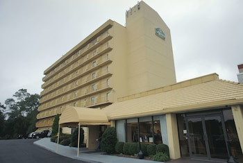 La Quinta Inn & Suites by Wyndham Stamford / New York City