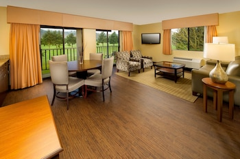 Suite, 1 King Bed, Balcony, Golf View