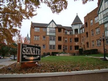 Senate Luxury Suites photo