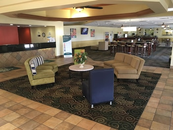 Lobby Sitting Area at Quality Inn & Suites Winter Park Village Area in Orlando