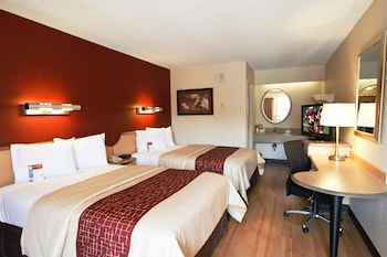 Utica Vacations - Red Roof Inn Utica - Property Image 1
