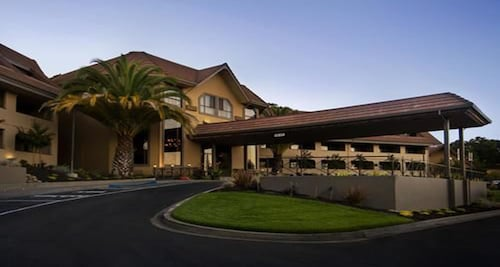 . Best Western Plus Novato Oaks Inn