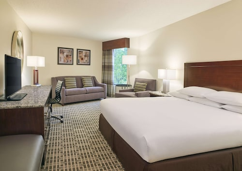 . DoubleTree by Hilton Houston Intercontinental Airport