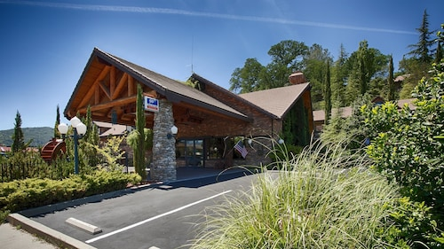 . Best Western Plus Yosemite Gateway Inn