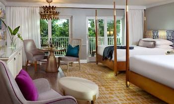 Premium Beachfront 2 Queen Beds (Beach House)