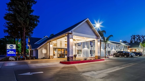 . Best Western Town & Country Lodge