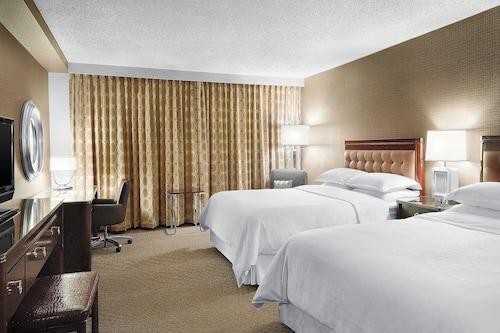 Sheraton Cavalier Saskatoon Hotel, Division No. 11