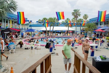 The Flamingo Resort - Gay Adult Resort