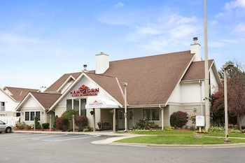 Hawthorn Suites By Wyndham Troy Mi 12 6 Miles From Great Lakes Crossing