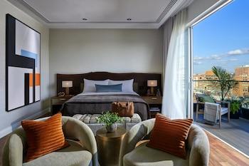 Studio Suite, 1 King Bed, Terrace