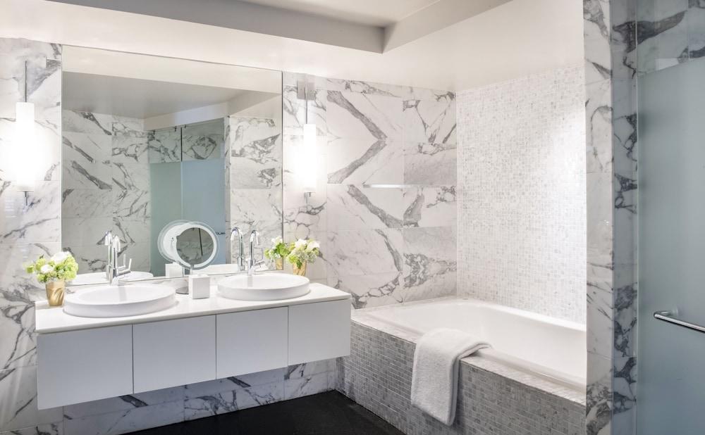 Luxury Suite, 2 Double Beds, Balcony