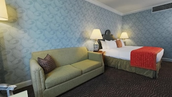 Executive Room, 1 King Bed with Sofa bed, Fireplace