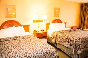 Guestroom at Days Inn by Wyndham Alexandria South in Alexandria