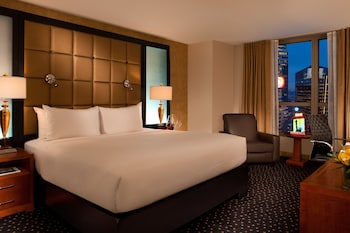 Premier Room, 1 King Bed (Ball Drop View)