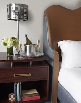 Room, 2 Double Beds, Partial Ocean View