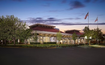 Hotel - Hilton Oakland Airport