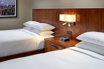 Junior Suite, 2 Queen Beds, Accessible (Mobility, Roll-in Shower)