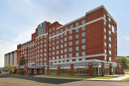 . Embassy Suites by Hilton Montreal Airport