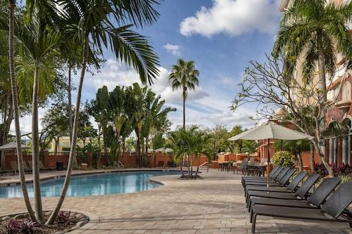 . Sheraton Suites Fort Lauderdale at Cypress Creek