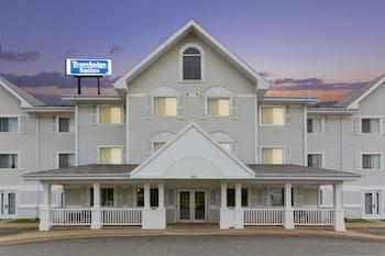 Hotel - Travelodge Suites by Wyndham Saint John