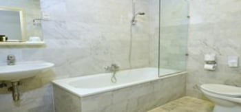 크라운 인 호텔 아인트호벤(Crown Inn Hotel Eindhoven) Hotel Image 10 - Bathroom