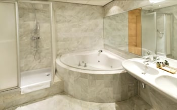 크라운 인 호텔 아인트호벤(Crown Inn Hotel Eindhoven) Hotel Image 8 - Bathroom