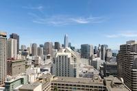 Skyline View - 2 Double Beds - Floors 20-44