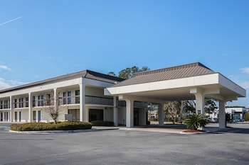 Featured Image at Motel 6 Savannah Midtown in Savannah