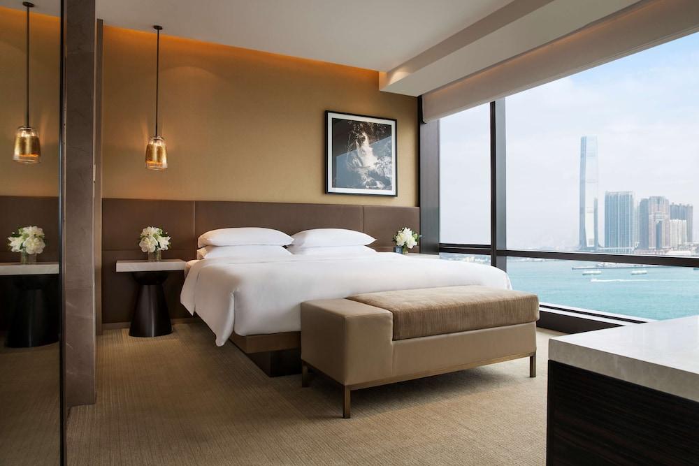 https://i.travelapi.com/hotels/1000000/30000/25700/25691/b5ff6422_z.jpg
