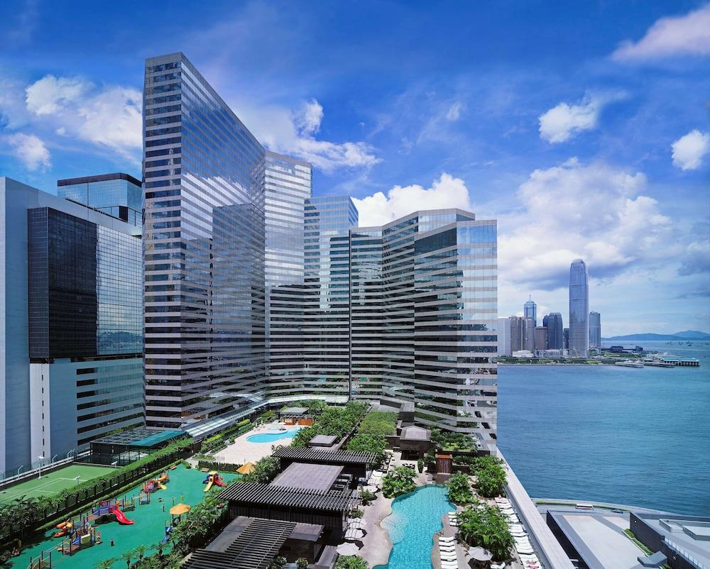 https://i.travelapi.com/hotels/1000000/30000/25700/25691/c4afc819_z.jpg