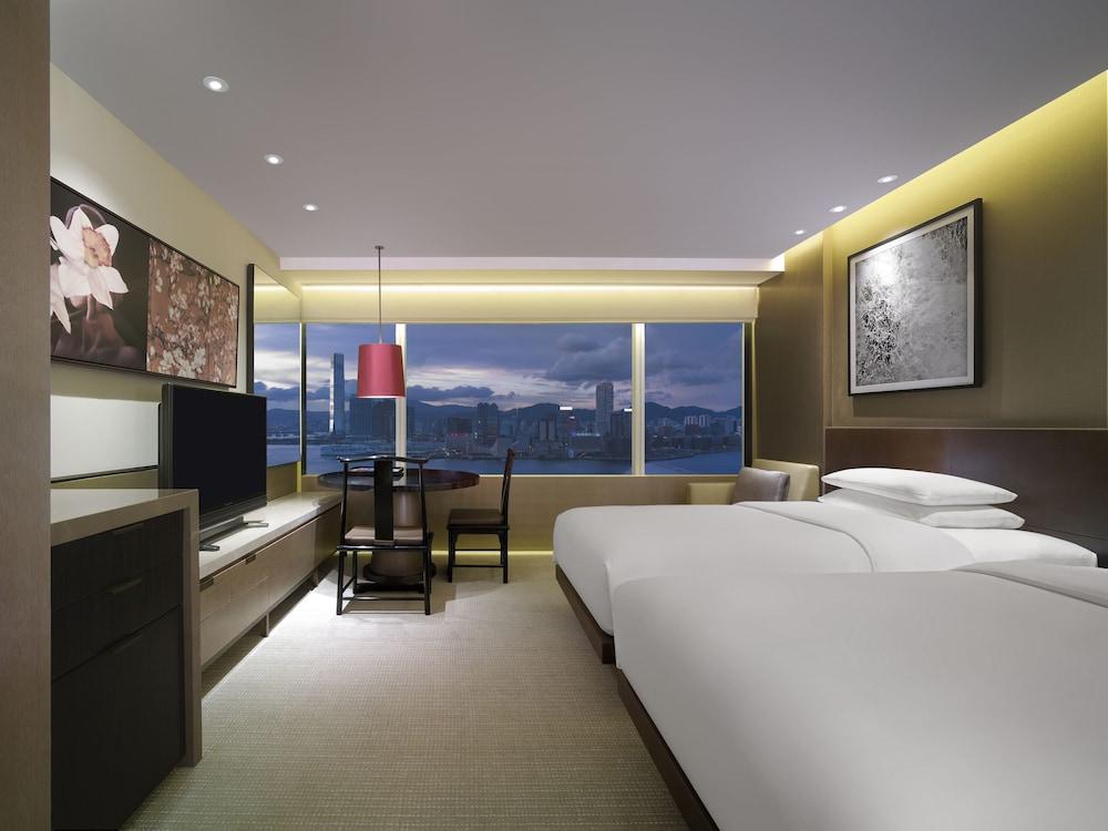 https://i.travelapi.com/hotels/1000000/30000/25700/25691/f26d442b_z.jpg