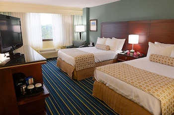 Guestroom at Crowne Plaza Virginia Beach Town Center in Virginia Beach
