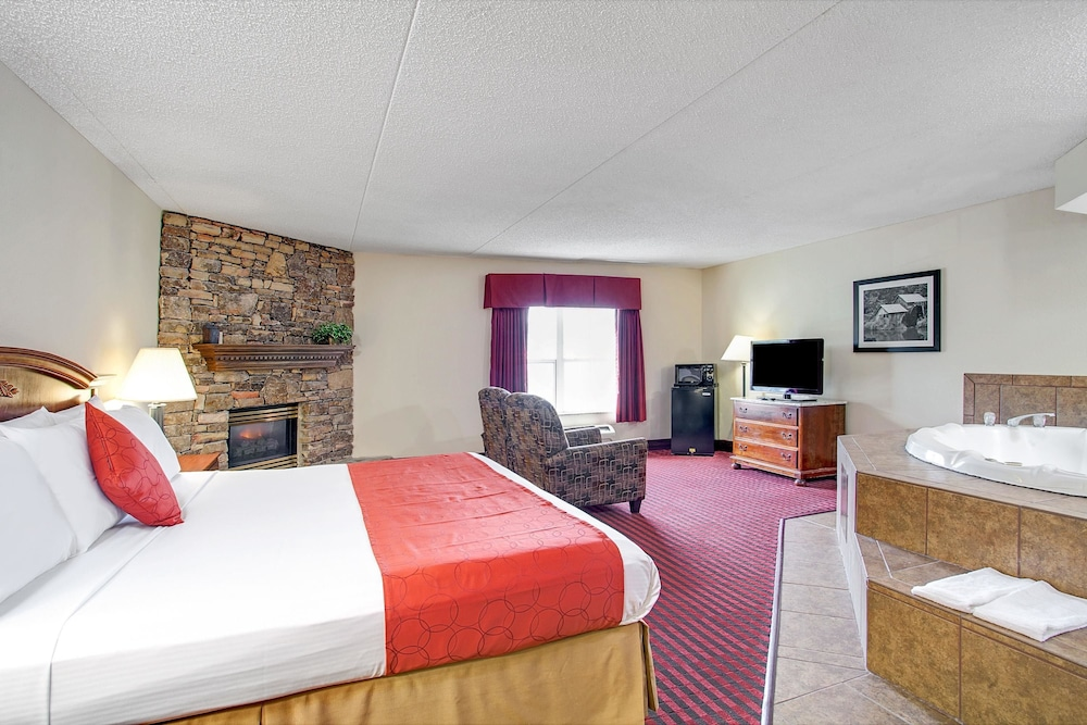 Hotel Interior : Deluxe Suite, 1 King Bed, Non Smoking, Jetted Tub (Fireplace) 14 of 47